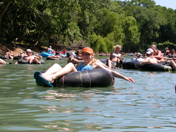 New Braunfels Camping >> Guadalupe River Tubing Float Trips On Inner Tubes Tube Rentals